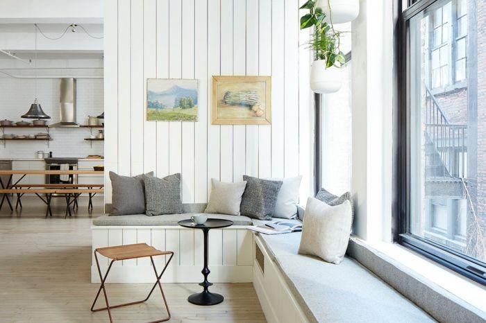 Wohnzimmer kleiner Beistelltisch Sitzbank Stauraum