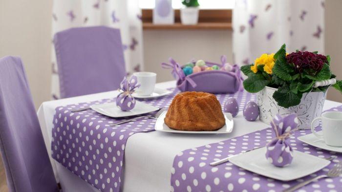 der Tisch verdient zum Ostern eine extra Portion Aufmerksamkeit