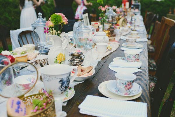 Alice im Wunderland Idee Tischdeko Junggesellinnenabschied