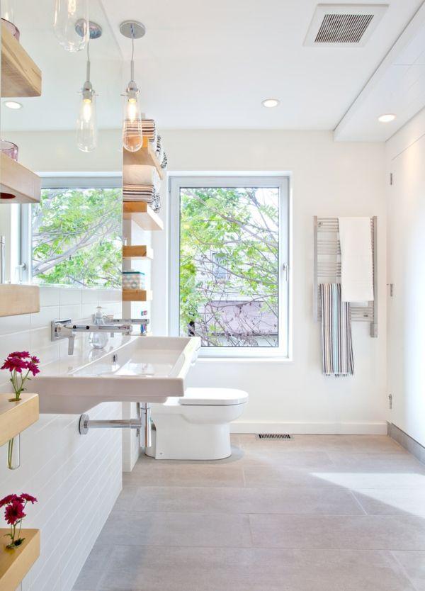 Badezimmer modern Ablagefläche Wandbretter Holz