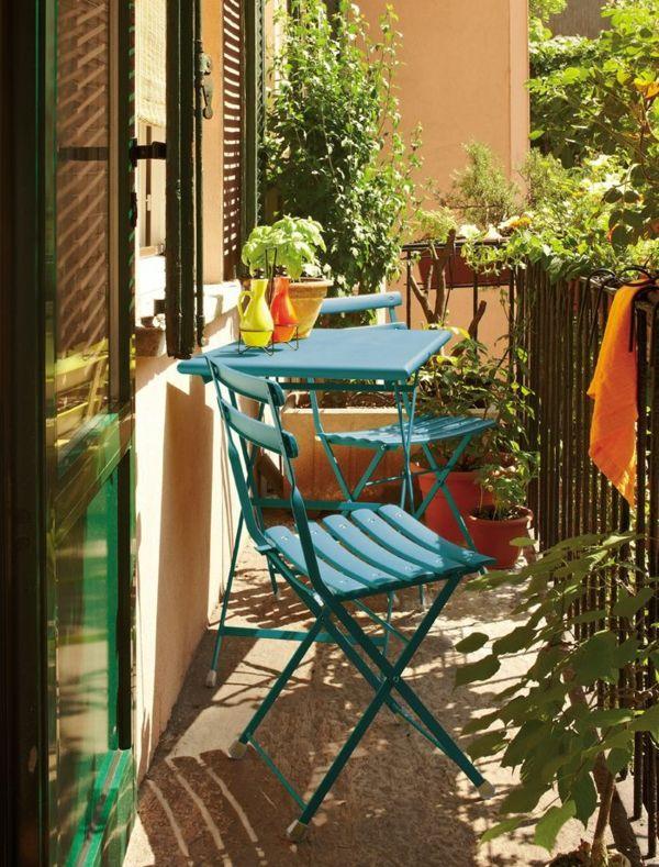 15 wohnbeispiele von der gestaltung kleiner balkone. Black Bedroom Furniture Sets. Home Design Ideas