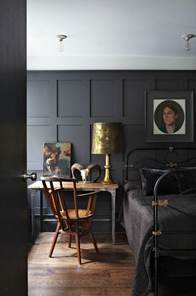 Bett schwarz Kreidefarbe Schlafzimmer Design