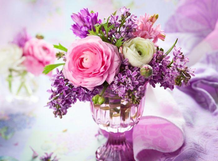 Blumenarrangement Flieder Strauß lange frisch halten