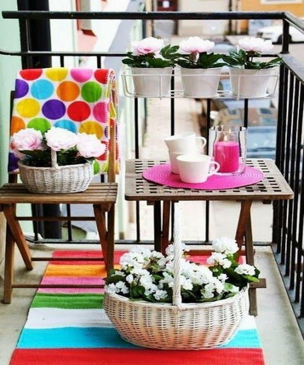 Bunter Design für den kleinen Balkon-deko ideen für balkon terrasse