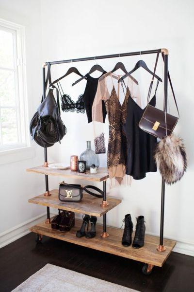 DIY Kleiderstange chic Holzbretter