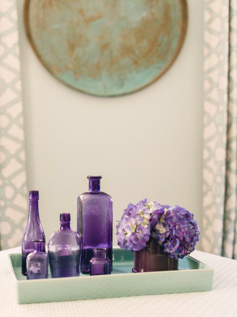 Dekorationsideen mit Farben und Blumen ermöglichen Kompositionen nach individuellem Geschmack