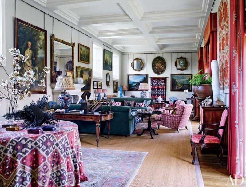 Ein Konglomerat von verschiedenen Möbelstilen entsprechen dem britischen Hang zum geerbten Look