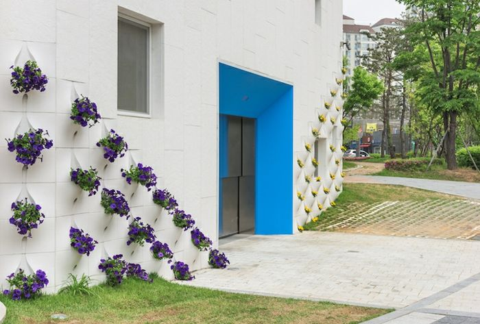 Eingang Kindergarten modern Blau