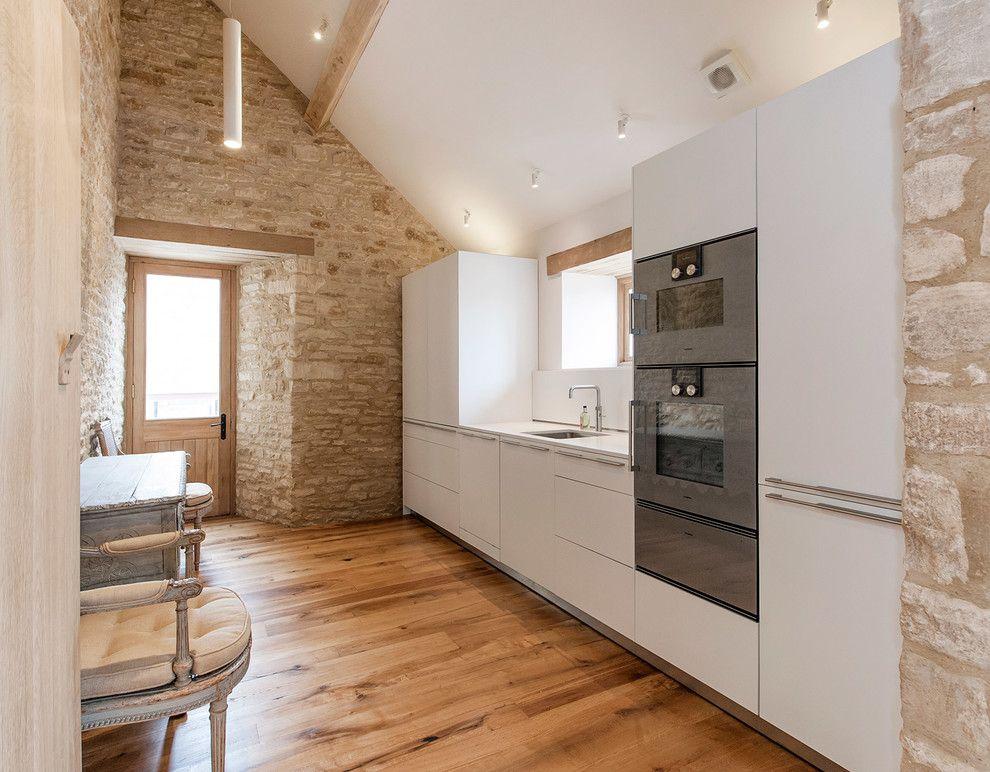 Einteilig Küchendesign minimalistisch weiß modern