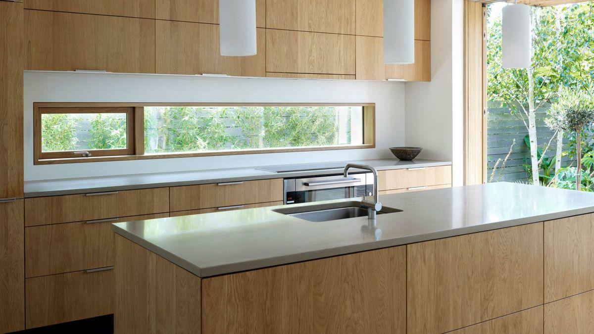 Geräumig Küche Kücheninsel Holzfronten