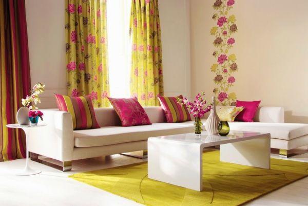 Glasgestaltung mit Gardinen in fröhlichen Farben