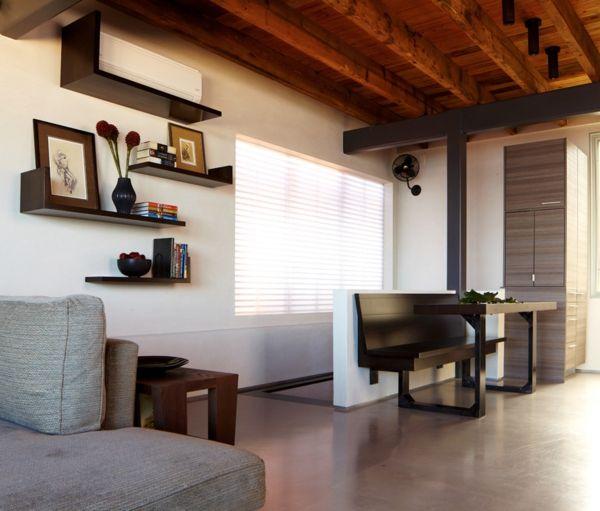 Hängeregale schwarz Wohnzimmer asymmetrisch