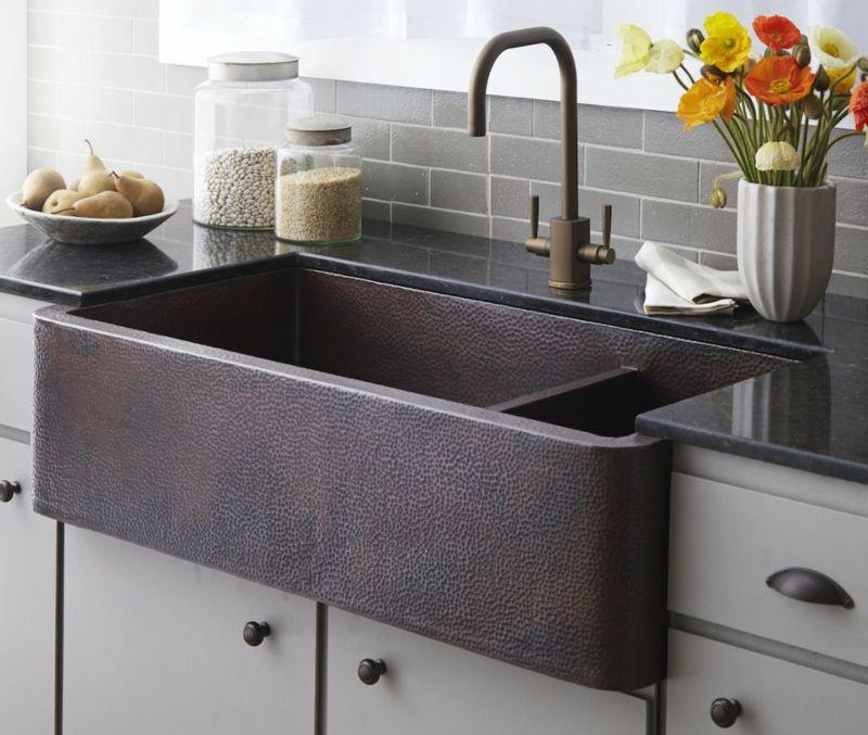 Keramische Spülen sind robust und gut zu reinigen