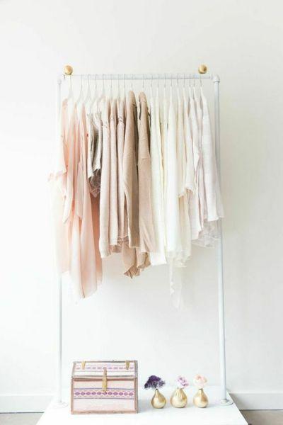 Kleiderstange Gestell minimalistsich Pastelltöne