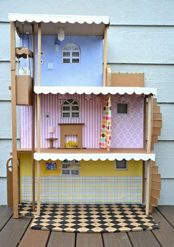 Puppenhaus aus Karton fürs Kinderzimmer selber einrichten