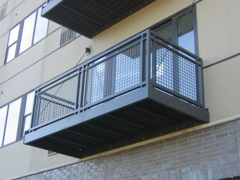 franzsischer balkon aus aluminium franz sischer balkon orte h user geschichten. Black Bedroom Furniture Sets. Home Design Ideas
