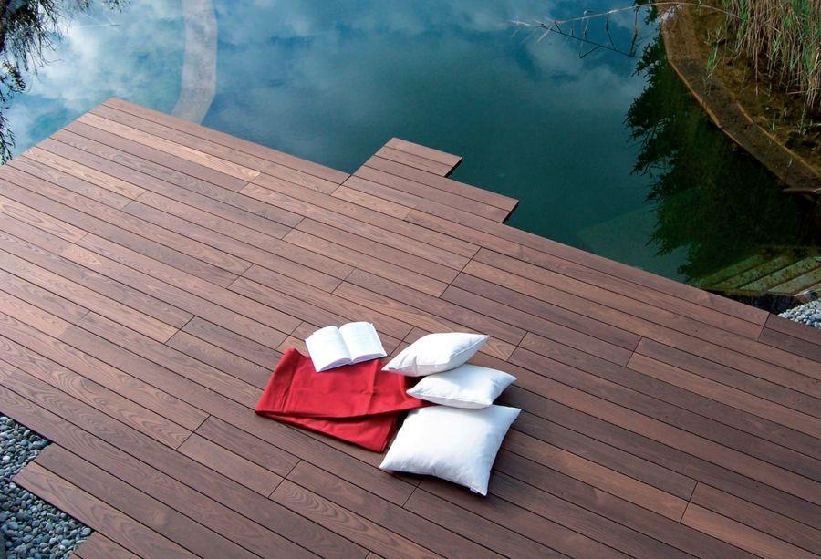 Terrassenbelag Holzterrasse widerstandsfähig ausdrucksvoll Optik
