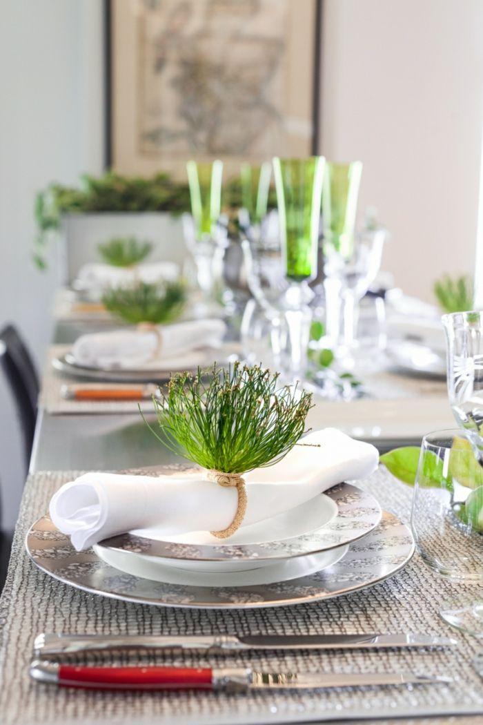 Tischdeko modern weiß grün naturbelassen Nadel Sträußchen
