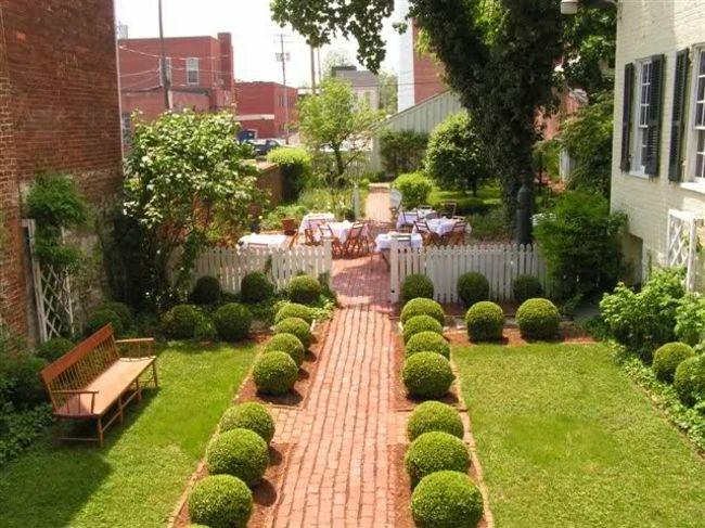 Auch im Topf lässt sich diese Gartenkunst anwenden