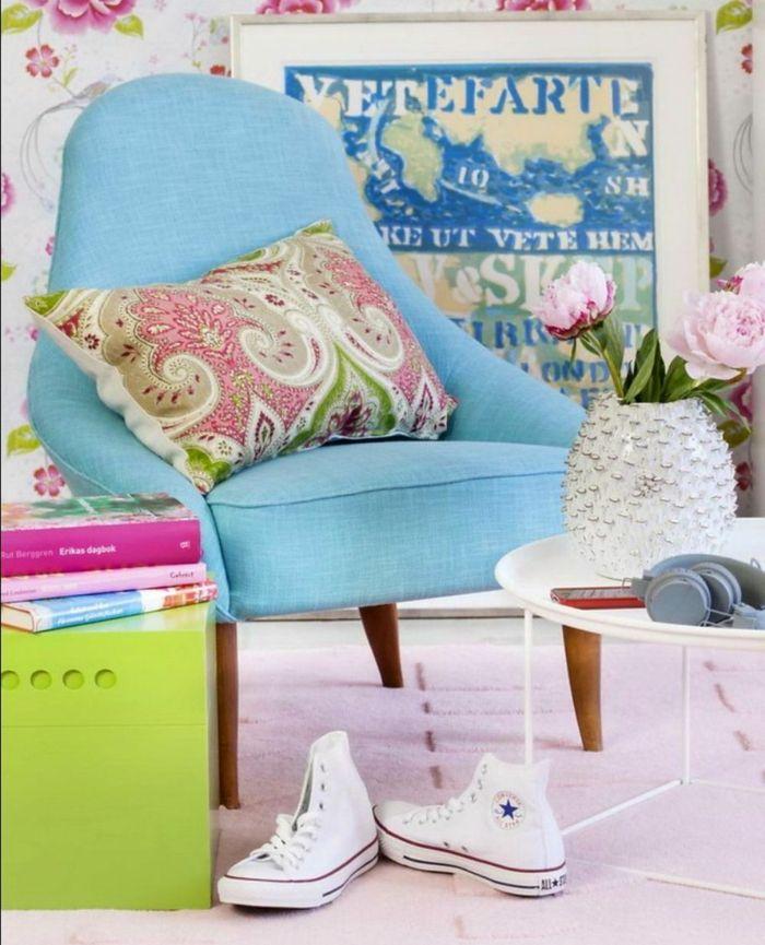 Belebende Akzente im Wohnzimmer mit Farben setzen