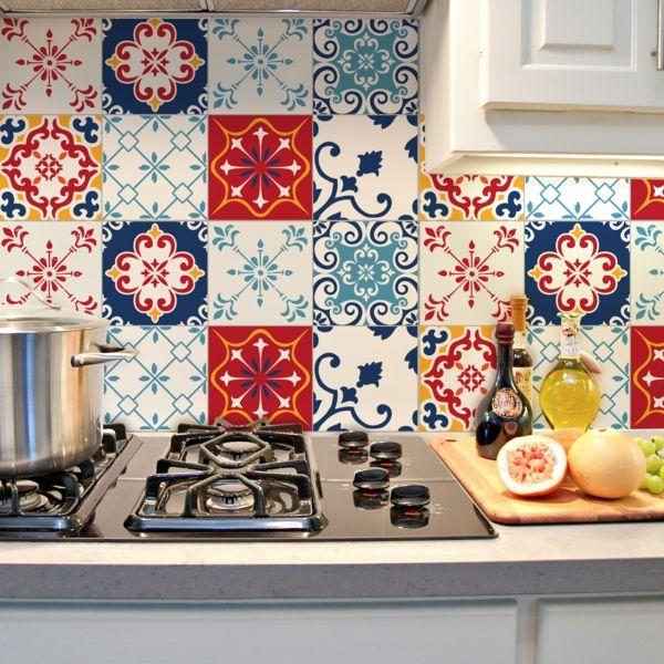 Bunte Azulejo-Fliesenkunst für die Küchenwand