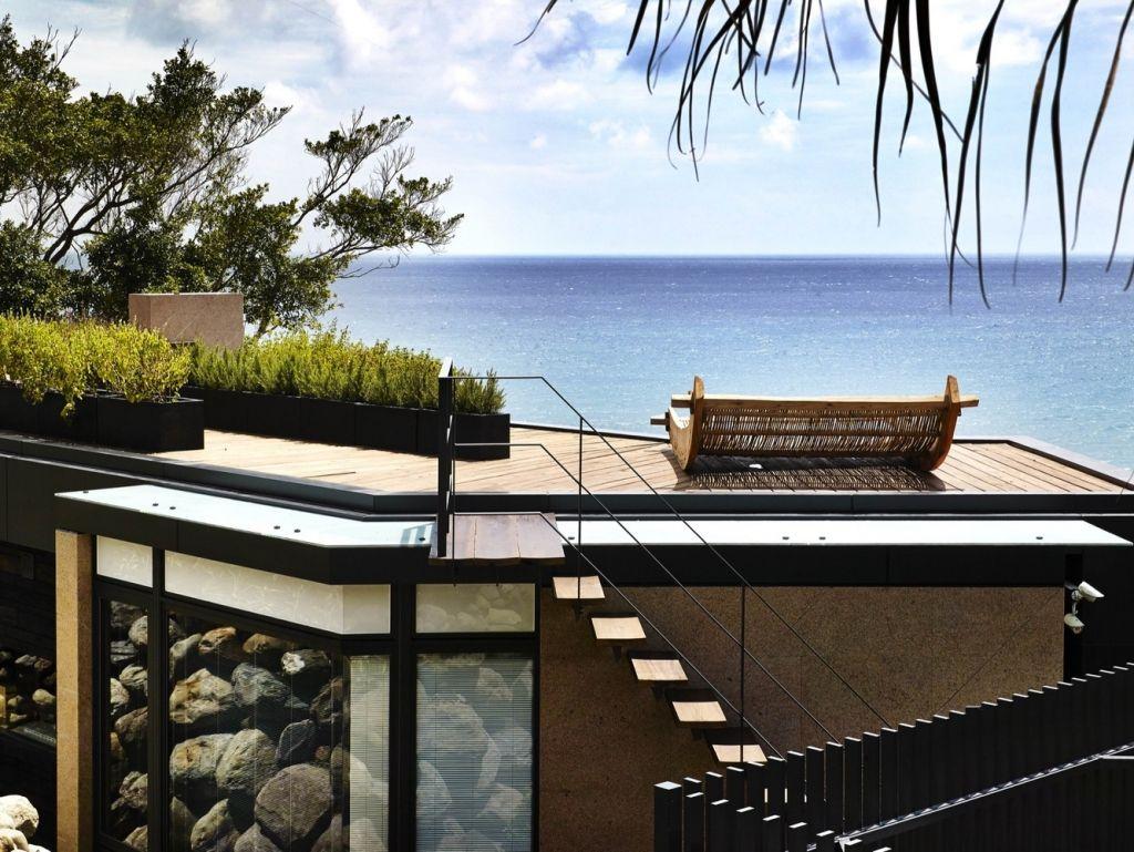 Designhaus Wohnidee Natur Stein Holz Pazifik Außentreppen Panoramafenster