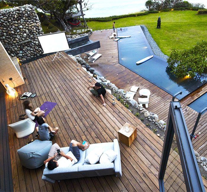 Designhaus Wohnidee Natur Stein Holz Pazifik wasserbeständig Holzboden Terrasse