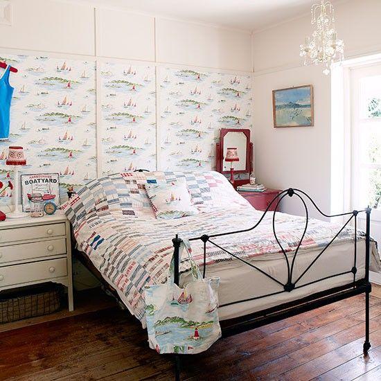Tapete und Bettwäsche können einen Raum bis zur Unkenntlichkeit verändern.