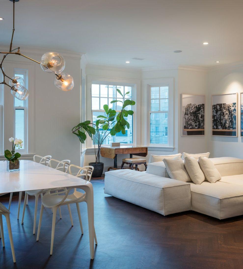 Achten Sie auf eine passende Beleuchtung über dem Sofa