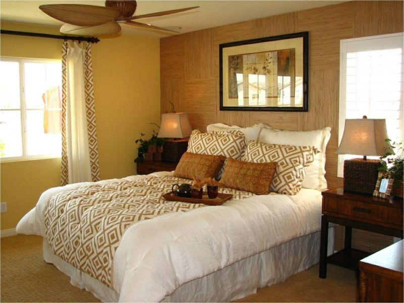 Für das Schlafzimmer ist es besser ein Bett zu wählen, dessen Gestell nicht aus Metall, sondern aus Holz besteht