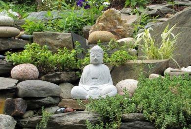 Harmonie in heimischen Garten mit Feng Shui bringen - Trendomat.com
