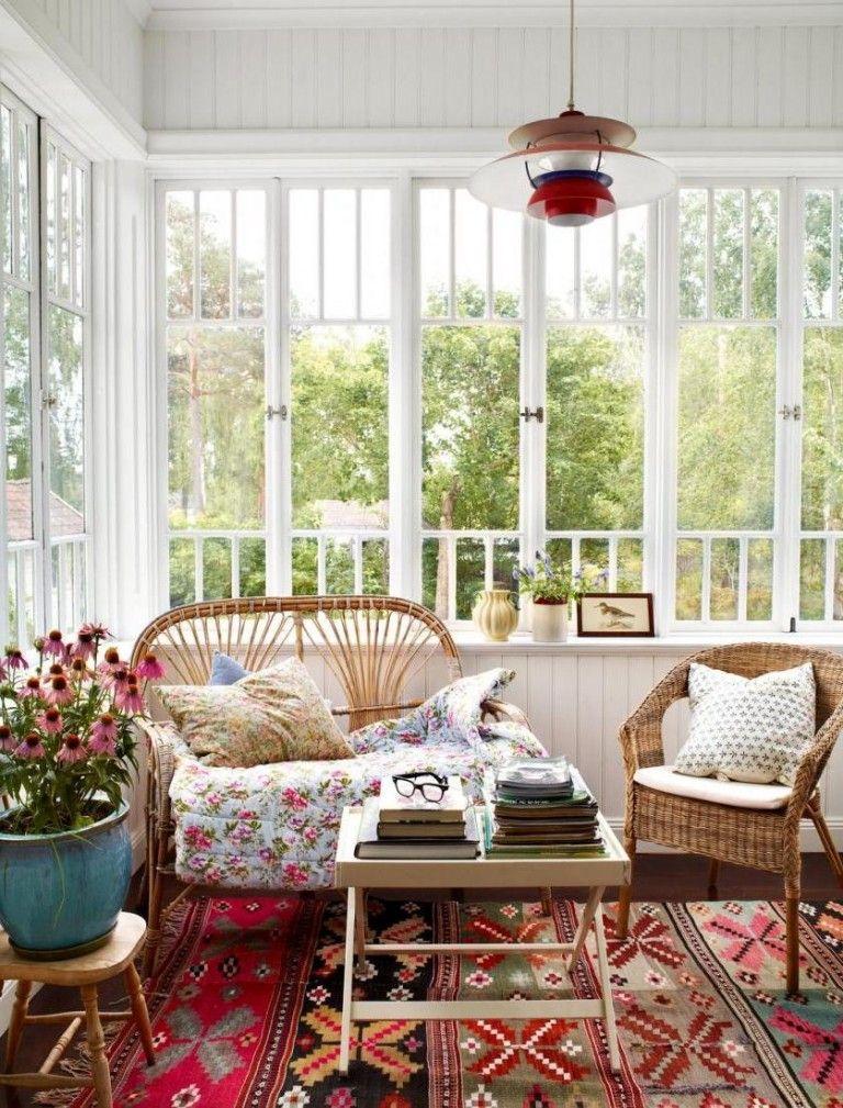 Frühling Dekoideen Innendesign Wohnzimmer selbstdekorieren Teppich Hängeleuchte