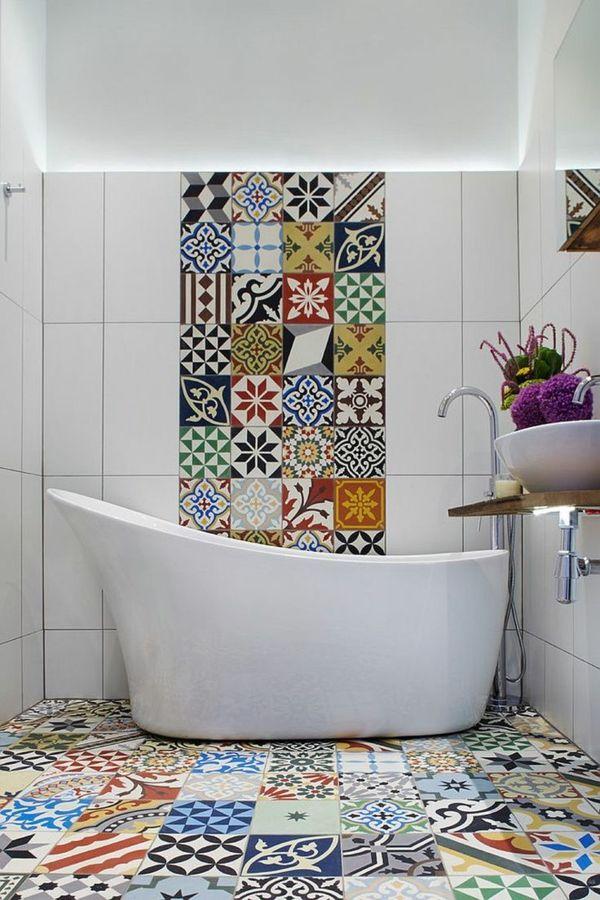 Gute Laune durch Fleisenkunst im kleinen Badezimmer