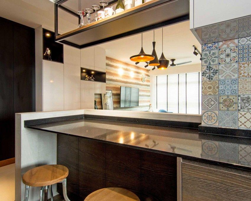 Ein industrieller und eleganter Stil werden in diesem Sitzbereich kombiniert