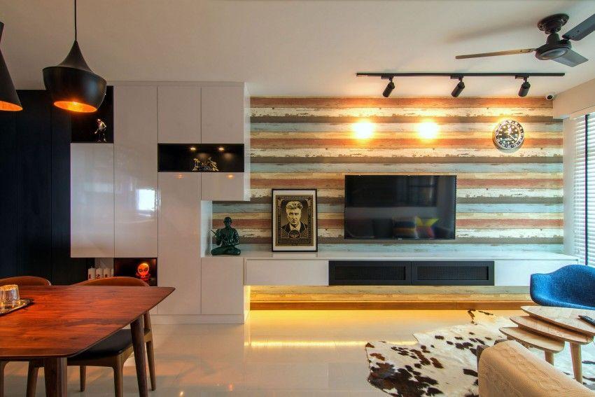 Wohnzimmer Design mit Couchtisch auf Rädern und aus Kirschholz
