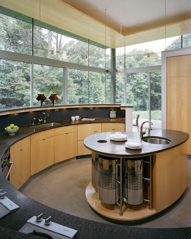 Küche Einrichtung kurvig rund Fenster Holz Glas