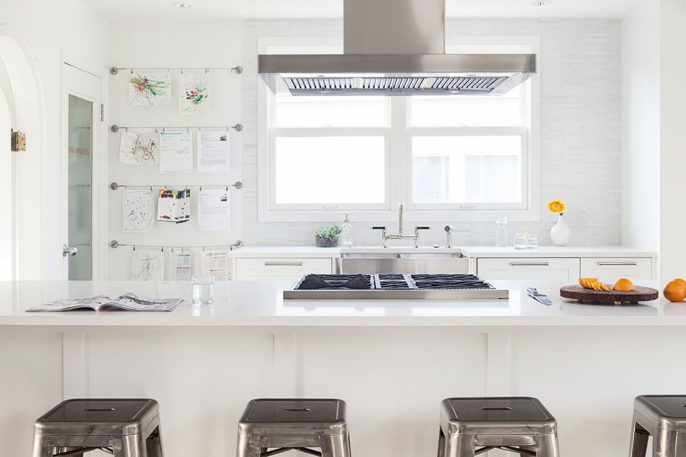 Küche Interieur Design Pinnwand weiß Edelstahl