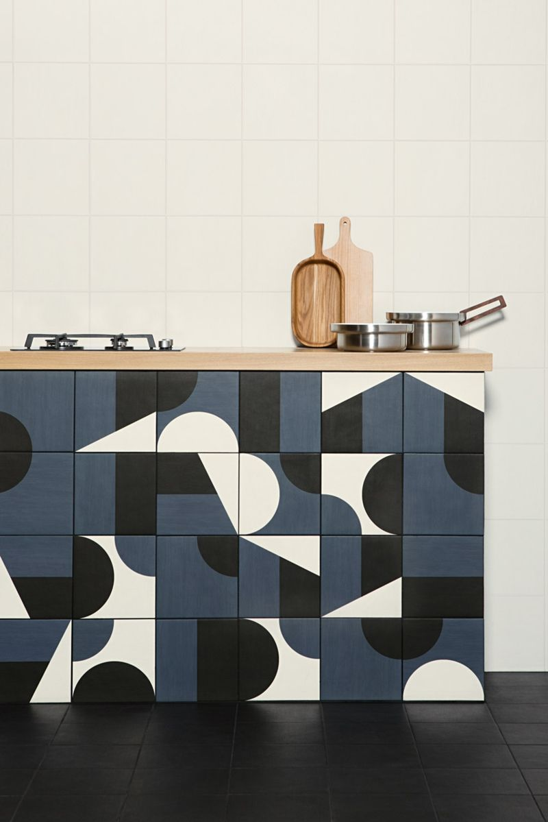 Unter der Küchenplatte herrscht die Geometrie.