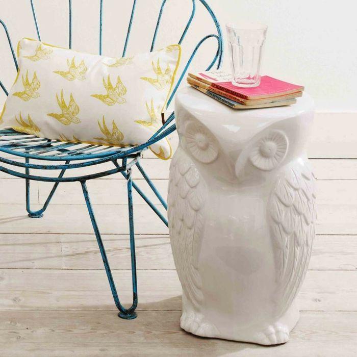 Keramikeule als Wohnaccessoir und Beistelltisch in Weiß