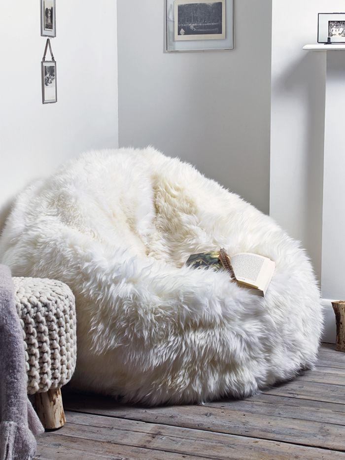 Kuscheliger Sitzsack in Weiß