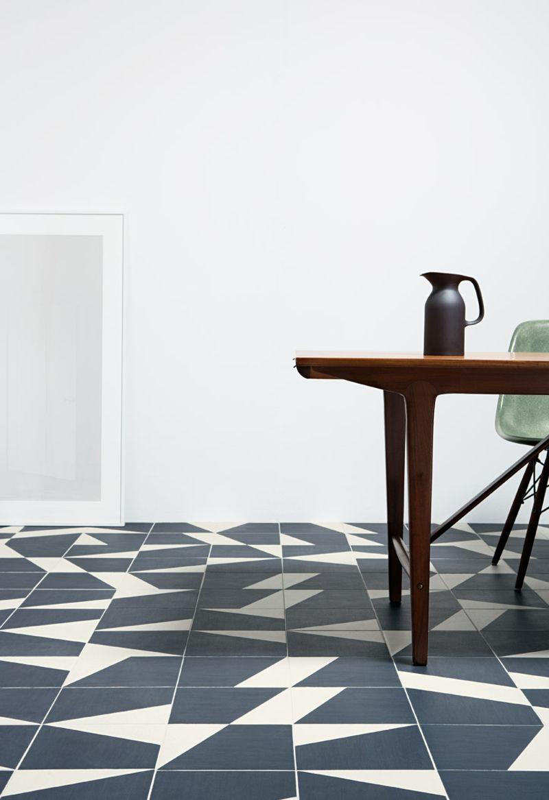Eine schlichte Raumgestaltung erlaubt kühne Entscheidungen, wie z.B. für den Bodenbelag.