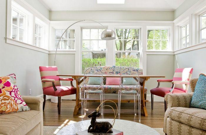 Mit Farben wirkt das Wohnzimmer schön und erfrischend