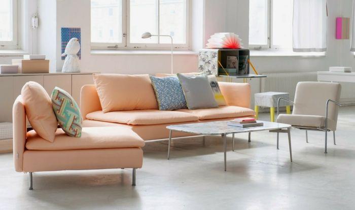 Pastelltöne Farbgestaltung Inneneinrichtung Wohnzimmer Dekokissen Sofa