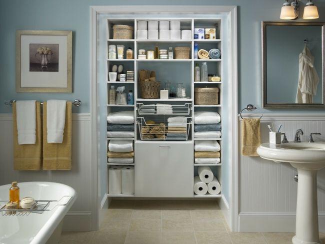 Schranksystem Regale Tücher ordnen Badezimmer Aufbewahrung