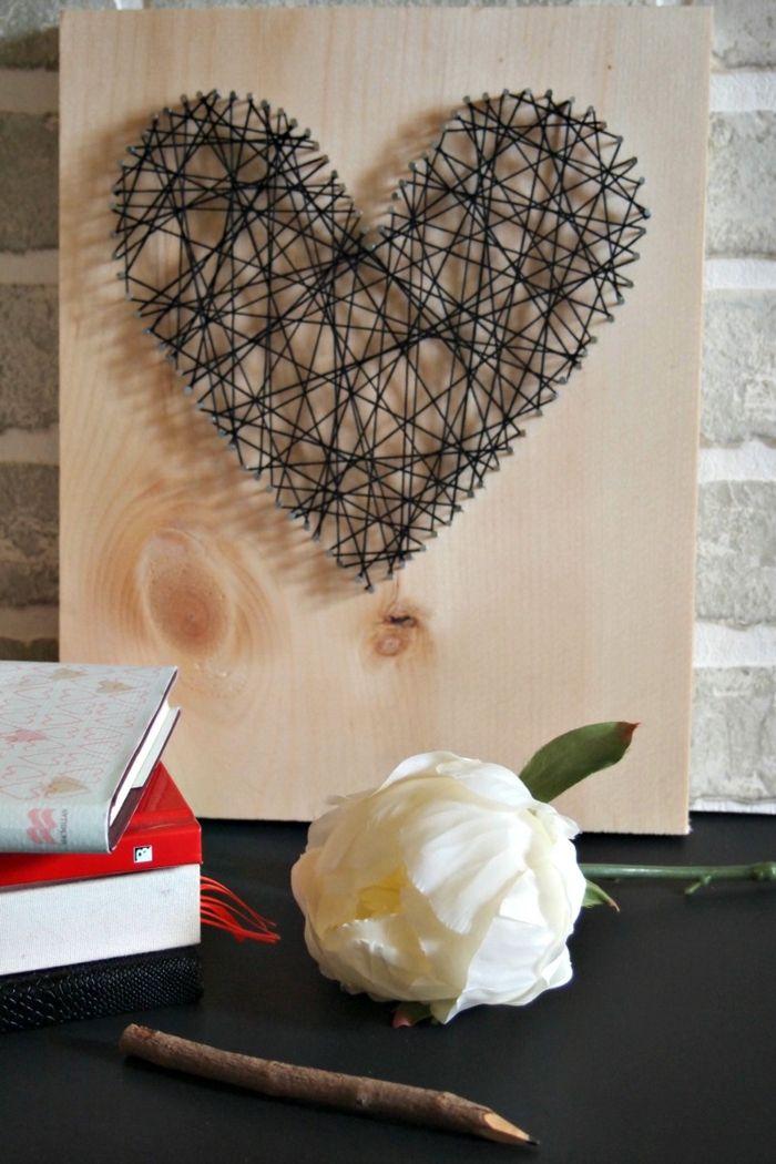 Selbstgebasteltes Herz als schöne Dekorationsidee für jedes Zimmer