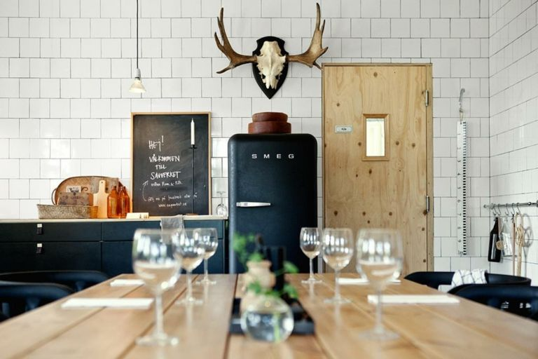 Wandgestaltung Wohnideen Design Kreidebrett Tafel schwarz Kuche Esszimmer