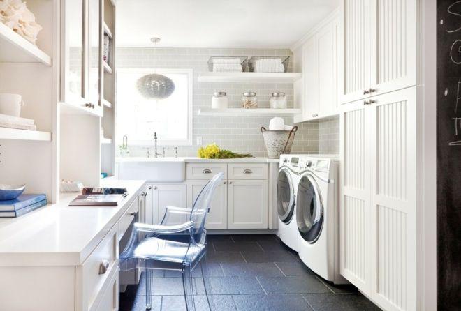 Waschküche weiß Plastikstuhl Tipps Schöner Wohnen Fliesenboden