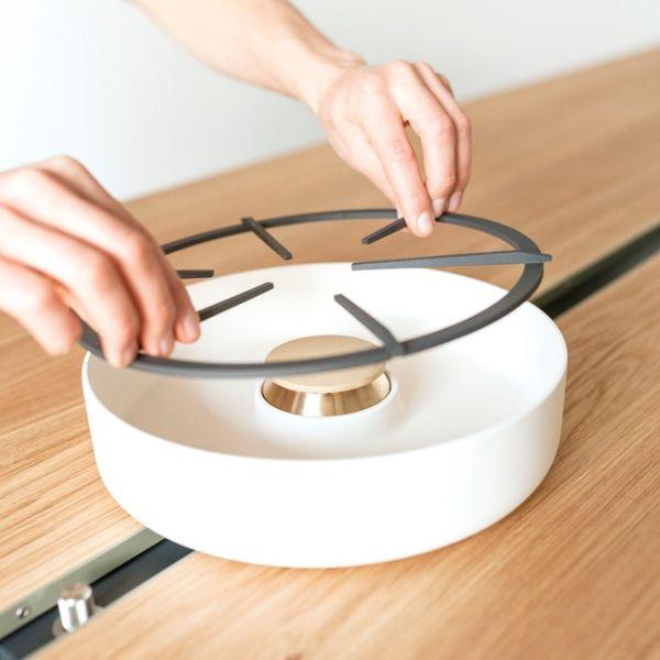Wohnidee Küche Esstisch Eichenplatte Kochen Design Gaskocher Moritz Putzier
