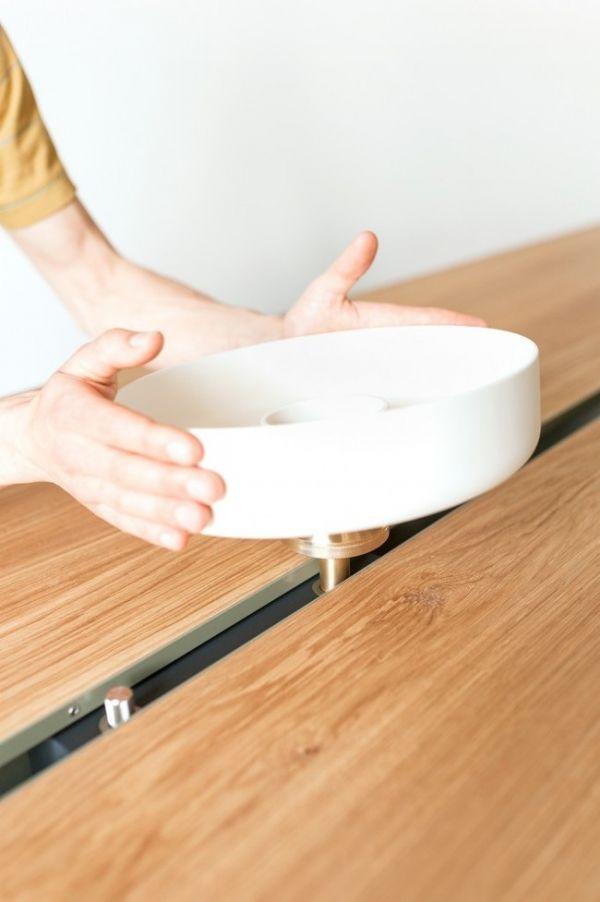 Wohnidee Küche Esstisch Eichenplatte Kochen Design Keramik Weiß Moritz Putzier