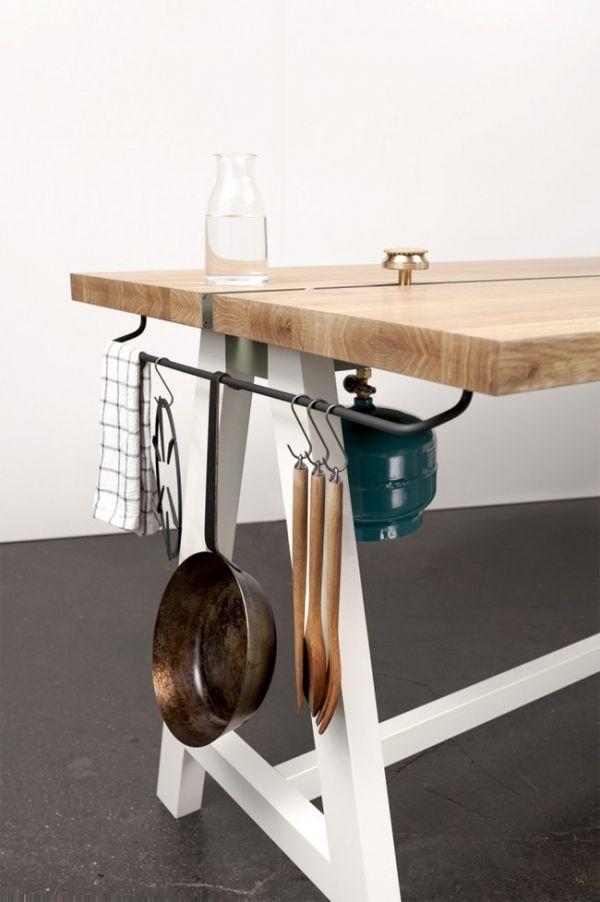 Wohnidee Küche Esstisch Eichenplatte Kochen Kochutensilien bequem aufbewahren